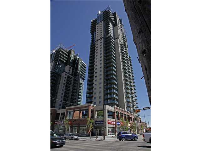 Beautiful high rise condo located beside Shoppers Drug Mart and the C-Train