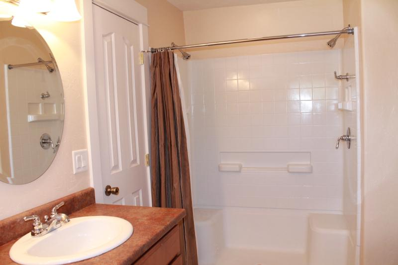 Master Bath with dual shower heads