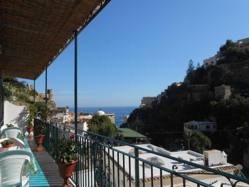 CASA MAMi' - POSITANO CENTER  (MULINI SQUARE) TERRACE WITH SEA'S  VIEW - WiFi -, Ferienwohnung in Positano