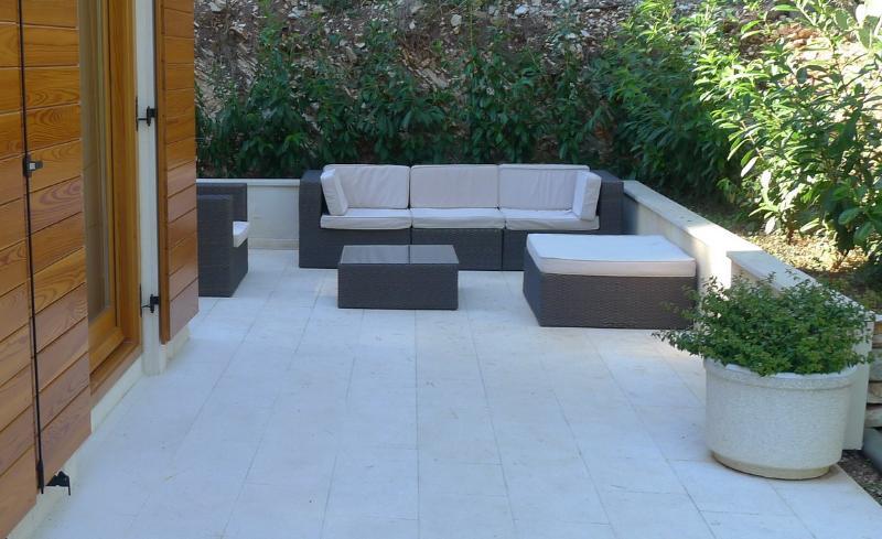 Villa Bianco outdoor lounge