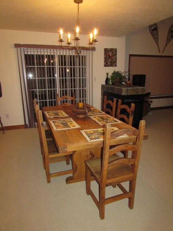 Dining Room.  Seats 6 with 3 folding chairs available.