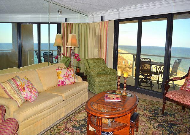 Beachside II 4306 Living Room