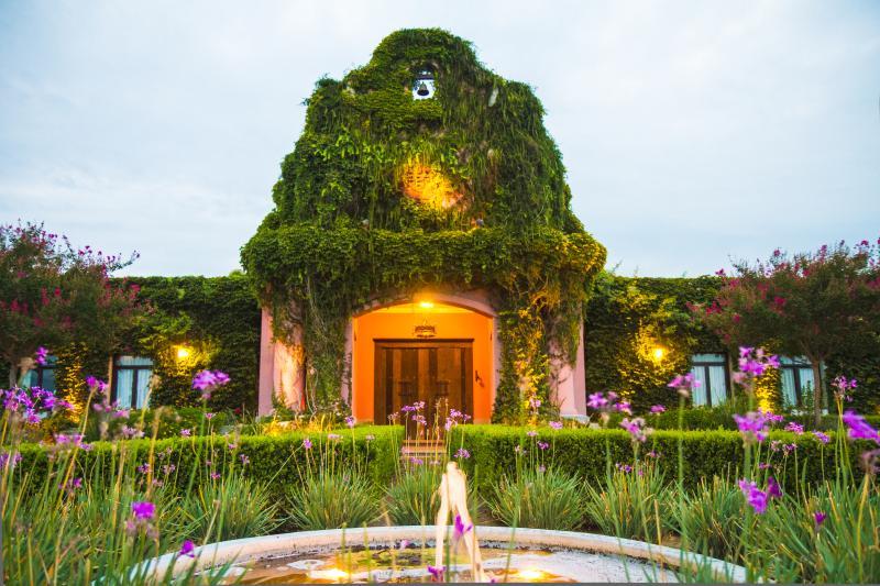 Beautiful Property in Polo Area, location de vacances à Lobos
