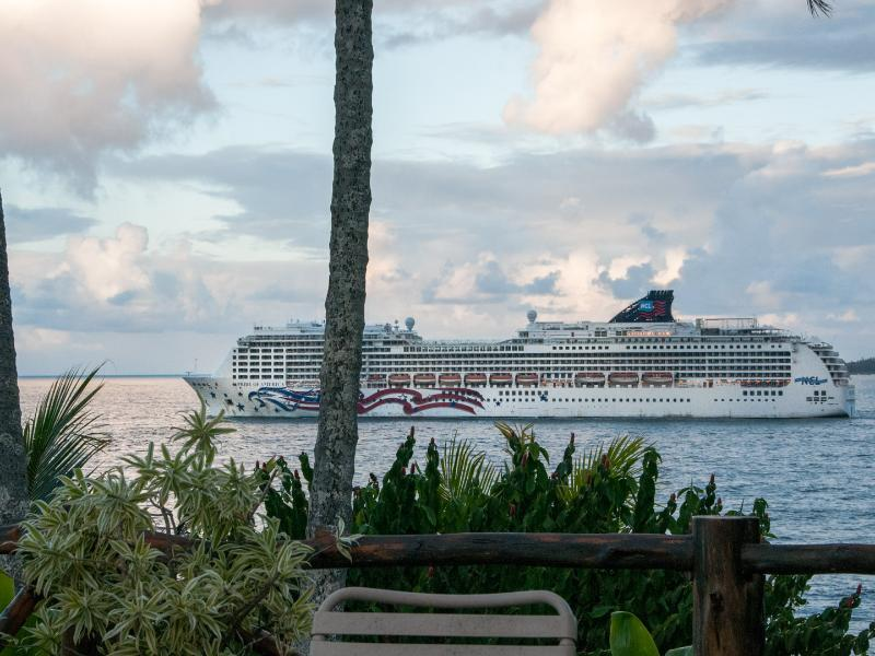 the cruise ships arrive at dawn and depart at dusk.