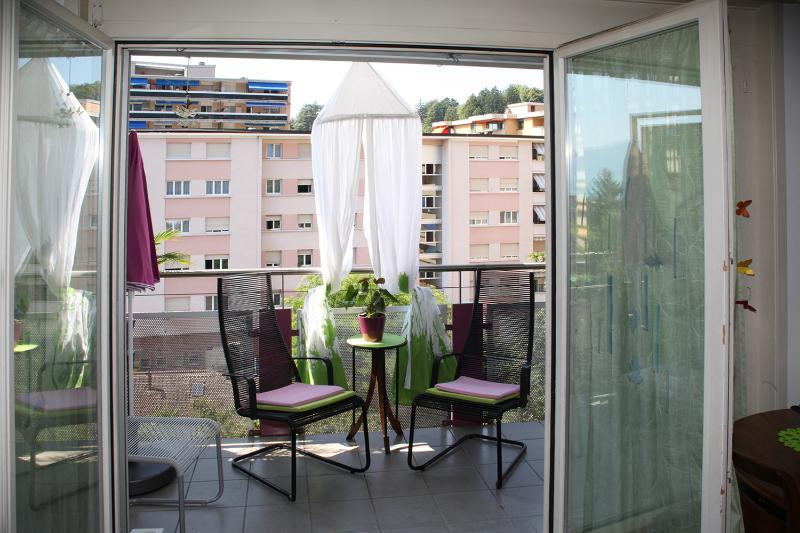 to Clarens in Switzerland balcony Mauve