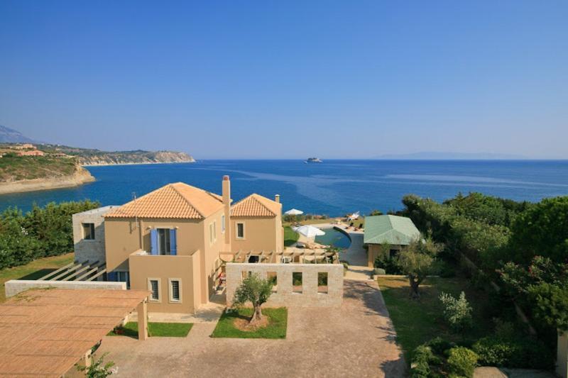 Exclusive Blue Sea Vew villa 5 bedroom with privat, location de vacances à Agia Pelagia
