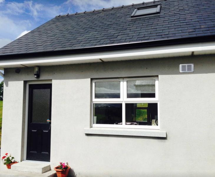 Cosy village holiday home to explore Yeats country, holiday rental in Collooney