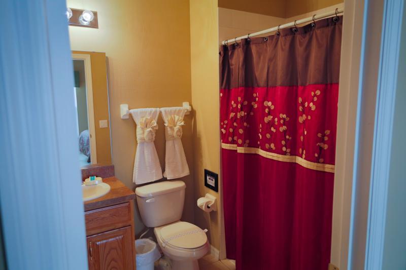 Master Queen #2 main floor, private four piece bathroom