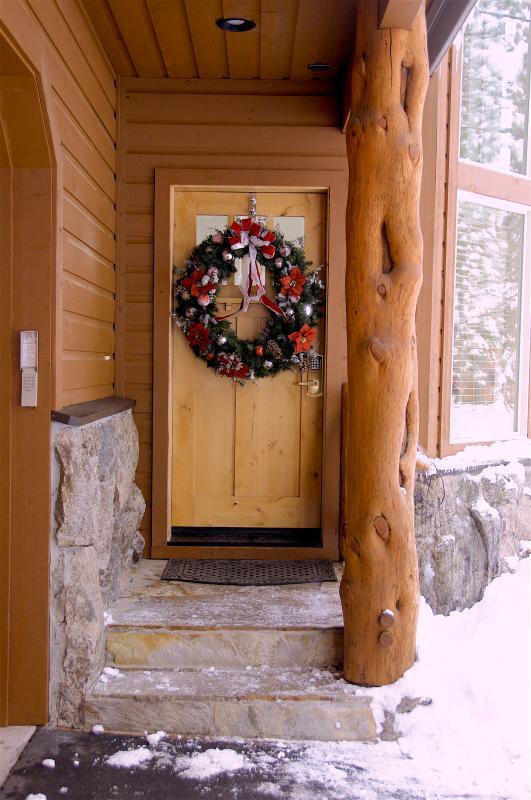 Keyless code based entry to main door