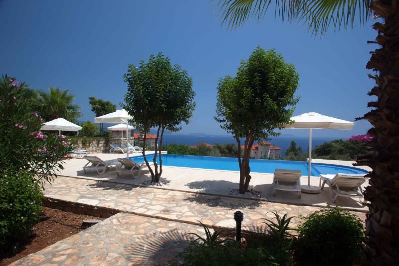 Mavi Manzara swimming pool and Mediterranean Sea view