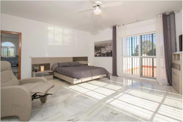 main bedroom (bedroom 1)
