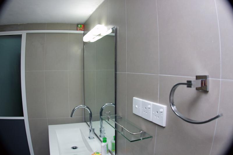 Cuádruple Habitación familiar baño en la habitación