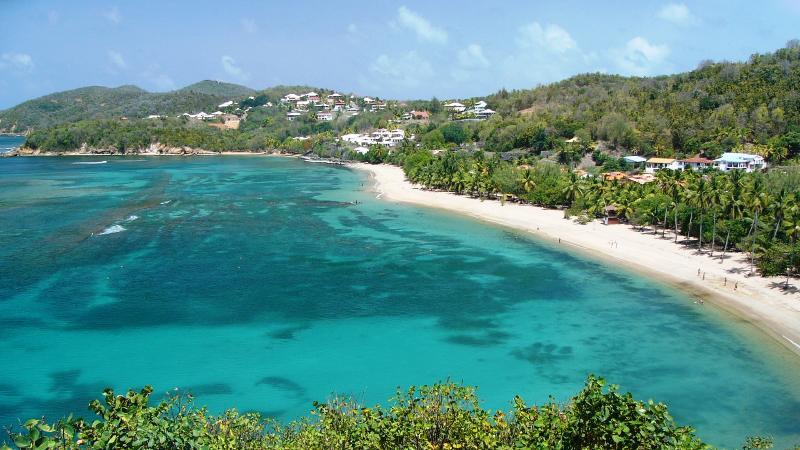 Bungalows et villas de la plage, Beachfront rental., vacation rental in La Trinite