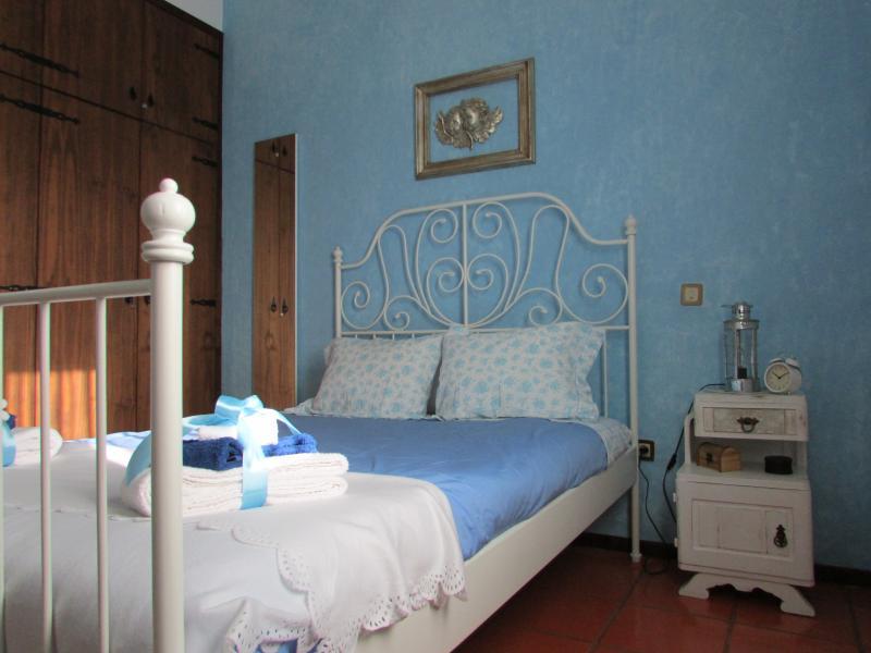 'Quarto do Lirio do Campo' - 'Wild Lilly bedroom'.