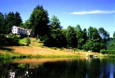 Catskill Mountains Retreat for Large Groups, alquiler de vacaciones en Shandaken