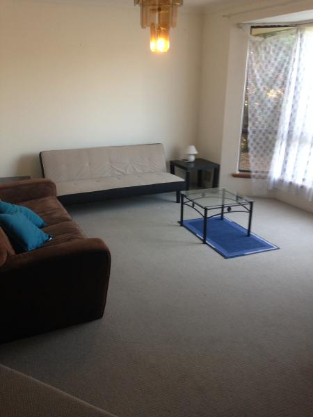 Willetton 4 bed 2 bath self contained house, casa vacanza a Southern River
