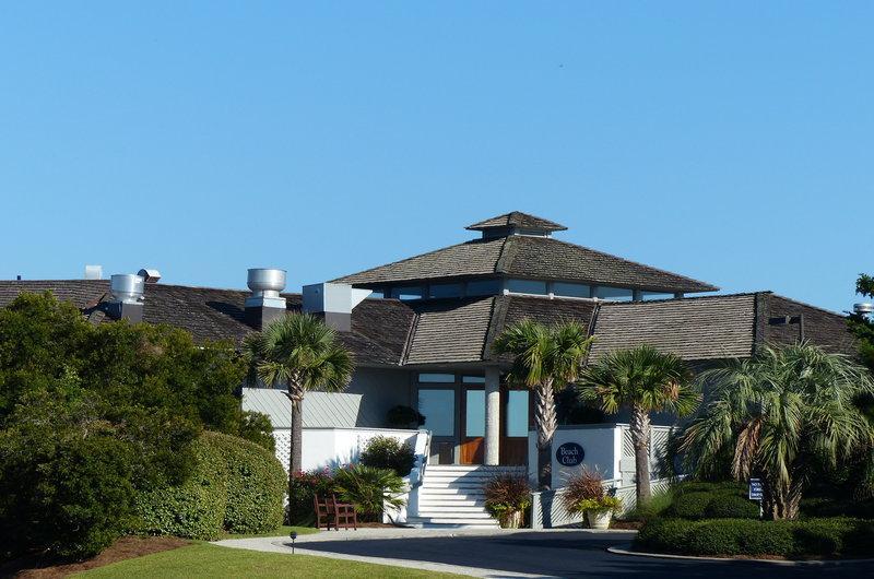Building,Villa,Cottage,High Rise,Palm Tree