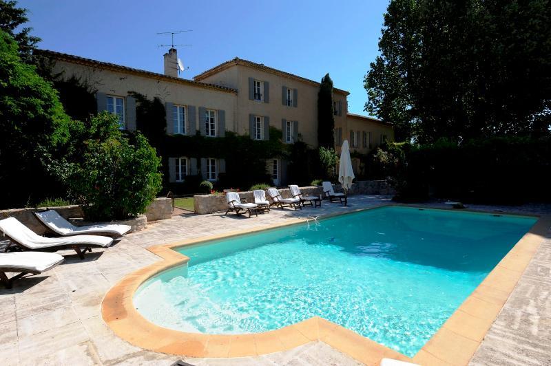 Casa com piscina aquecida