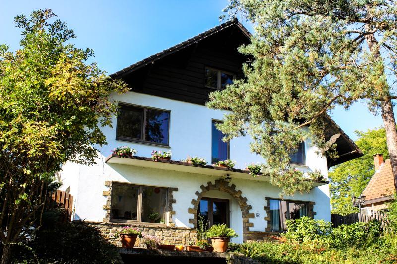 Bed & Breakfast Villa Kakelbont Borgloon, location de vacances à Borlo