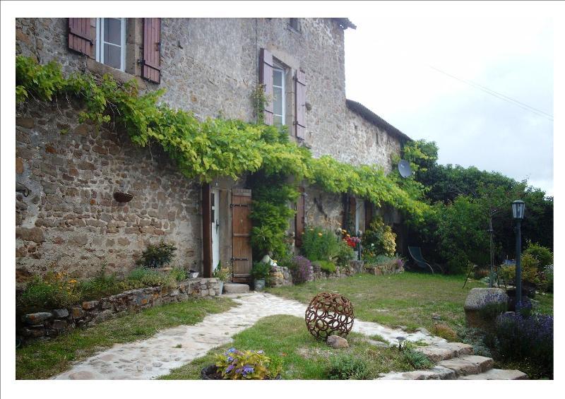 Adepte du tourisme vert, Bienvenue chez nous., vacation rental in Saint-Sornin-Leulac