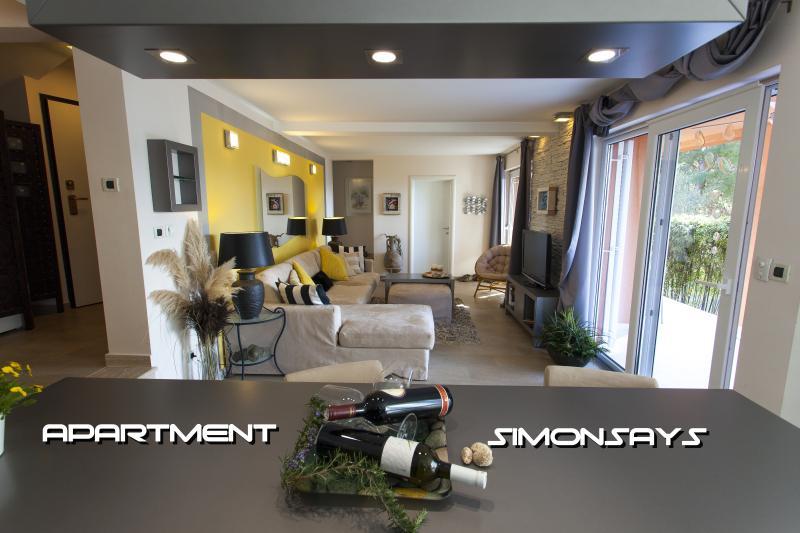 Apartment SimonSays 4 ****, casa vacanza a Cres