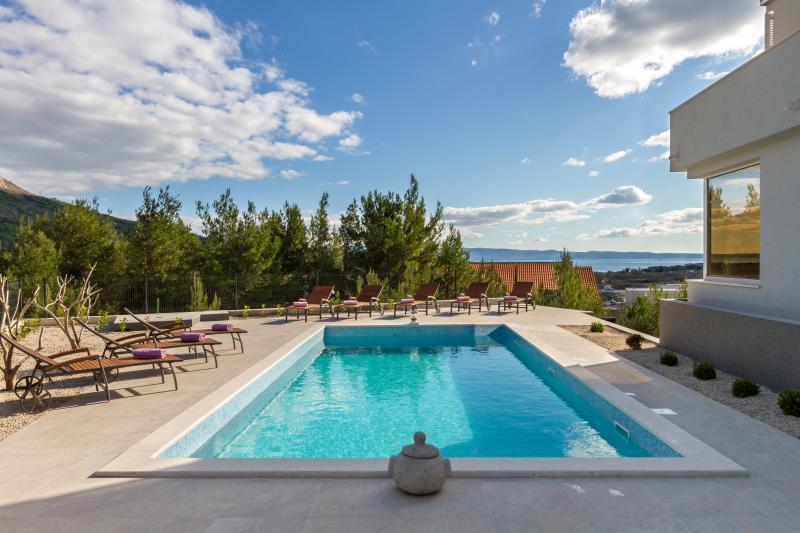 VILLA LAETITIA, holiday rental in Kucine