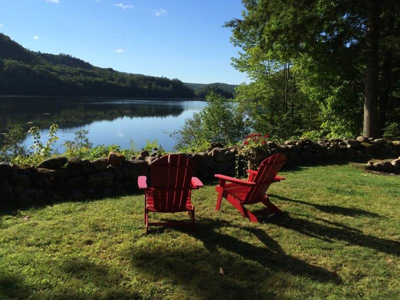 Vermont Cottage Lake Amherst, location de vacances à Plymouth