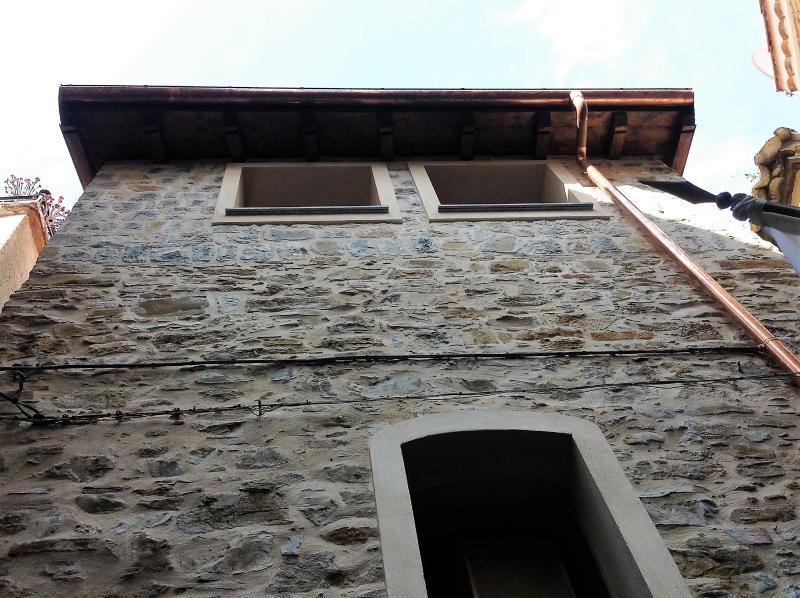 Casa del XVI° secolo nel Principato di Seborga, holiday rental in Vallebona