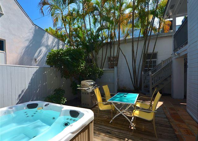 Brand new hot tub, outdoor eating area, and grill! Shared with your neighbor upstairs.