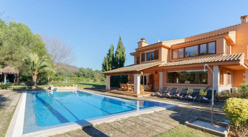 High quality holiday villa in Palma, Villa 361, vacation rental in Bunyola