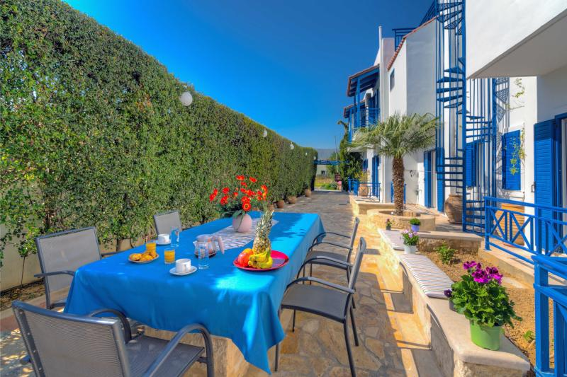 COZY APARTMENT HERAKLION CRETA -2, vacation rental in Heraklion