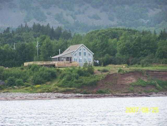 Own Beach and Ocean Front/ 20min. from Baddeck, alquiler de vacaciones en North Shore