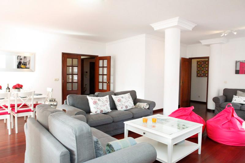 Cascais Guia's gorgeous & spacious apartment