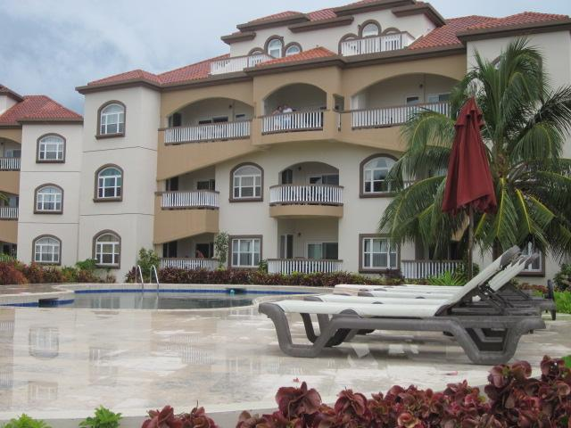 Dies ist das Innere des Grand Caribe Gebäude B. Unsere Einheit im zweiten Stock die mittlere Einheit ist
