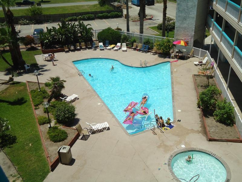 Bldg 3 piscine, pas de condo