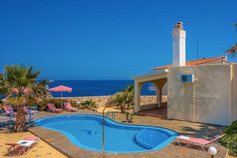 Villa Clio with stunning sea and sunset views, vacation rental in Crete