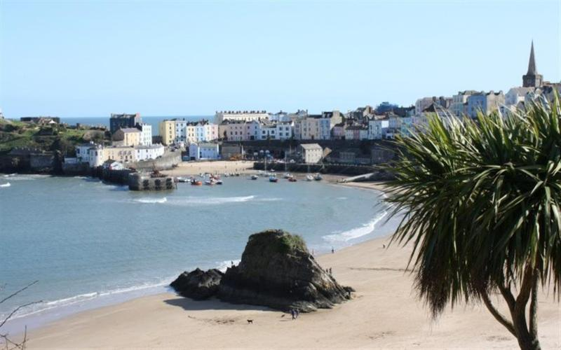Sandy beach and harbour at Tenby just 3 miles away