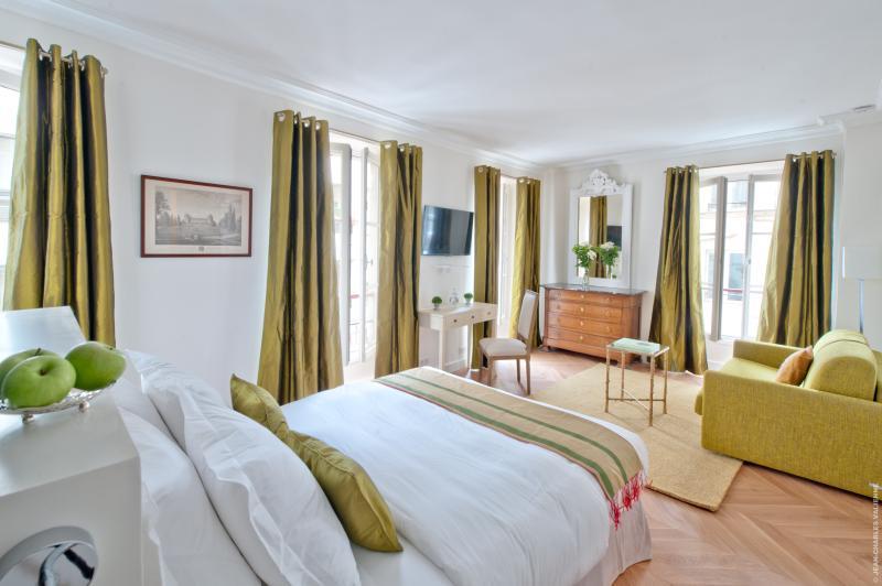 Palais Royal Room at My Home For You