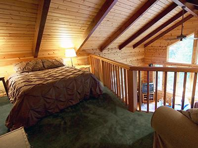 Sequoiatude, Loft Bedroom