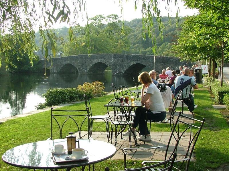 Swan at Newby Bridge, perfect location for a drink (foods great too) I mile from Jazzberry