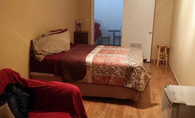 Casita bedroom with queen
