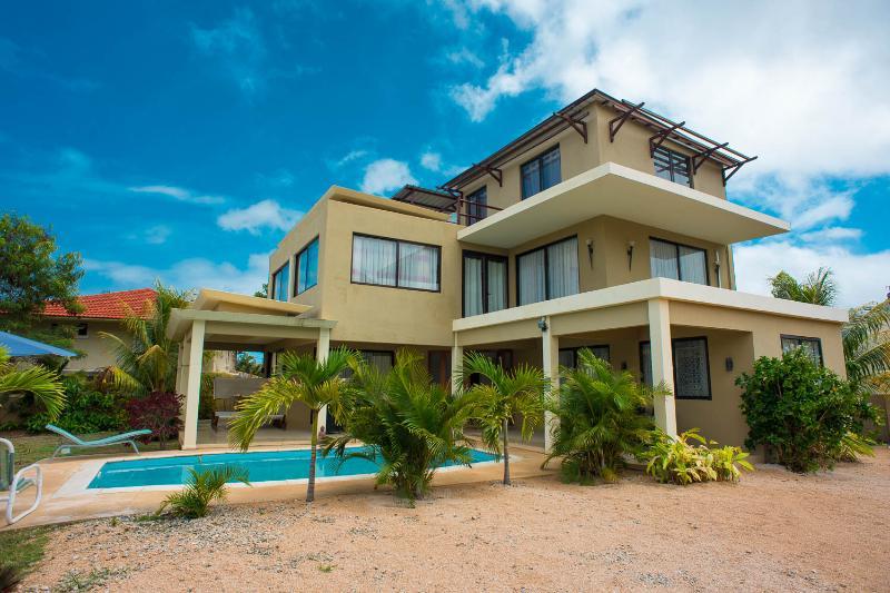 Luxury Villa with Mount & Sea View