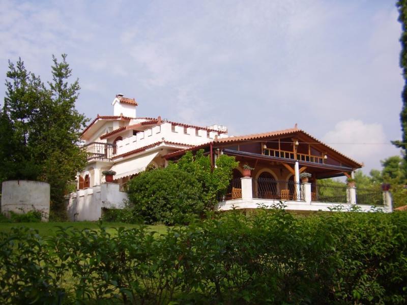 Villa Castello, location de vacances à Skala Prinou