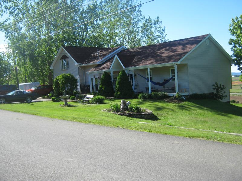 ACACIA  VILLA VACATION HOME, holiday rental in Wolfville