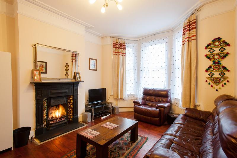 Large North London House, Ferienwohnung in North Finchley