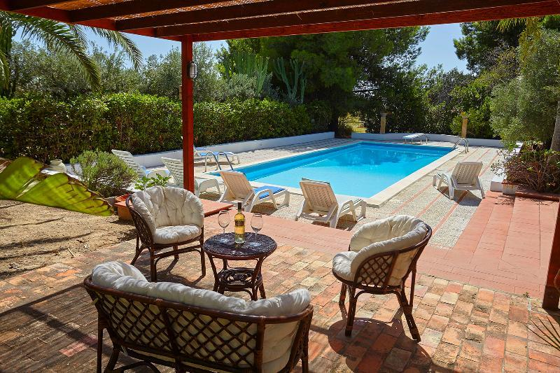 Sciacca Villa with pool, vacation rental in Cartabubbo