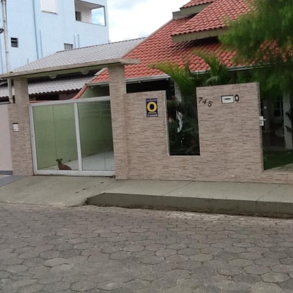 Bela casa em Porto Belo,um paraíso na praia, casa vacanza a Canelinha