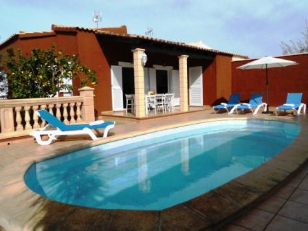 VILLA MARILDA house with pool 300m from the beach, vacation rental in Cala Mandia