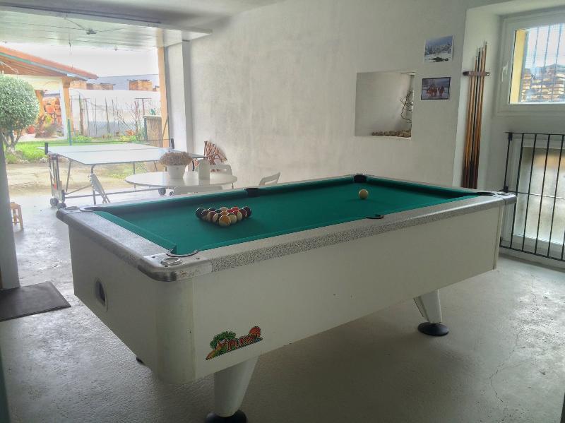 Zona de ocio con billar y ping-pong