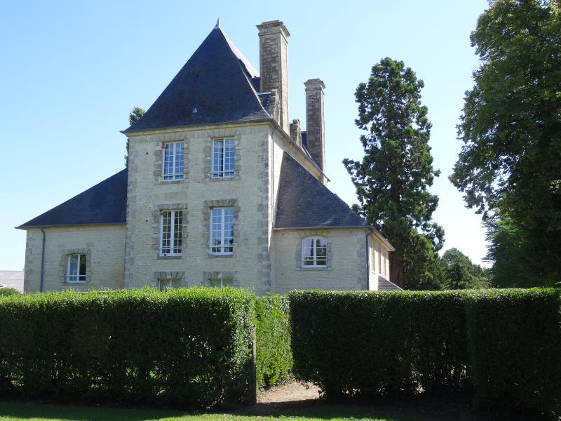 Contemporary cottages near Falaise & Caen, holiday rental in Vendeuvre